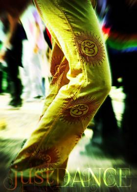 om festival party dance psytrance legs