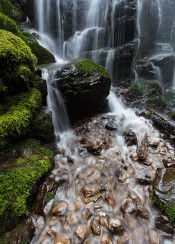 magical oregon waterfall landscape photography