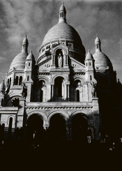 paris montmartre sacre coeur winter france church stairs hill black white cloud tower basilica love