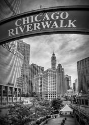 chicago river us urban black white walk city downtown sight loop skyscraper skyline clouds