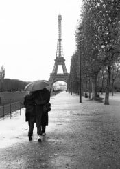 paris couple black white europe toureiffel raining eiffeltower love