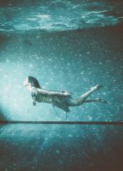swimming underwater girl room water happy blue green surreal bubbles summer ocean pretty sunny nostalgic