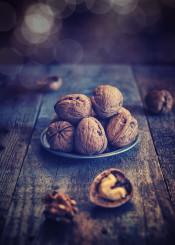 walnut fruit food feed nutrition rustic light boken