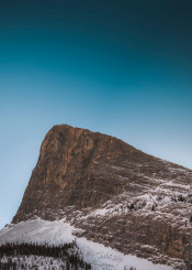 mountain mountains peak haling sky clear winter cold frigid snow ice frozen epic nature scenic landscape alberta canada canmore