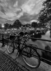 amsterdam  bike  bicycle  black  and  white  canal  gracht  keizersgracht brouwersgracht bridge  lights  bulb  nightscape  cityscape  city  buildings  jordaan  architecture sunset