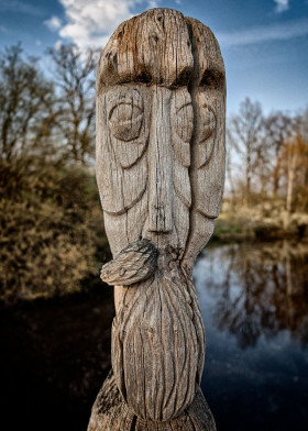 Gifhor Wood Faces XII