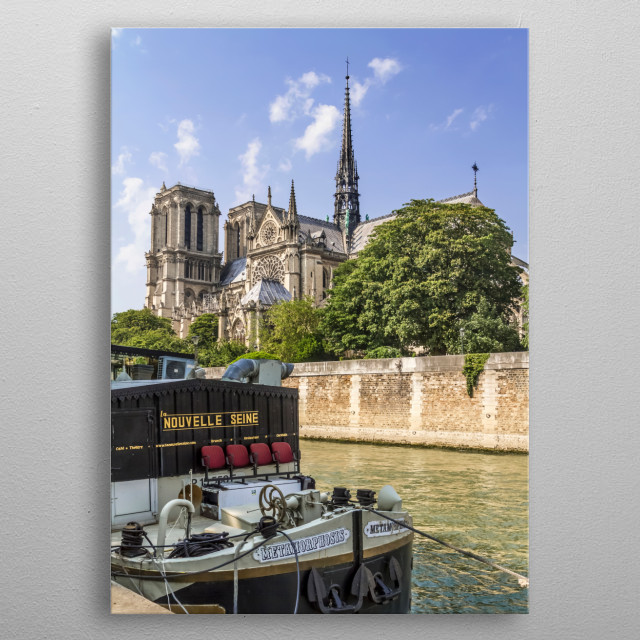 Notre-Dame Cathedral is a medieval Catholic cathedral on the Île de la Cité in Paris and was built from 1163 to 1345. Lovely cityscape with... metal poster