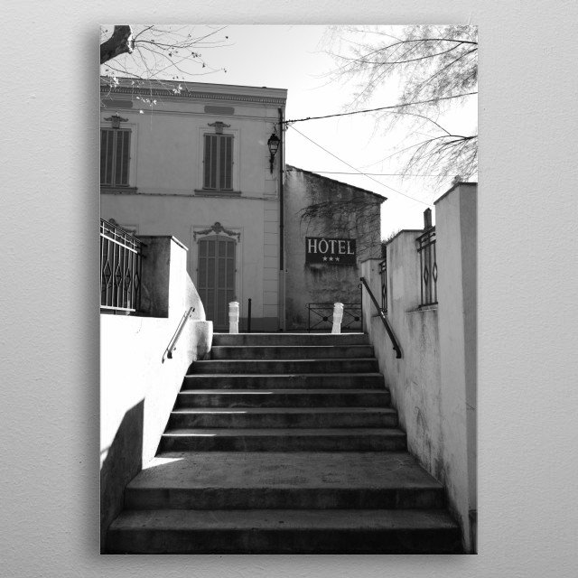 This picture on Place des Lices in Saint-Tropez is taken by photographer Tom Vandenhende. It's a nice souvenir of a wonderful holiday. metal poster