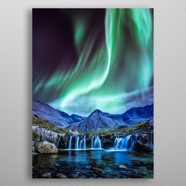 Green aurora at night metal poster
